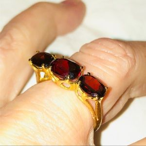 18k gold ruby engagement ring size 7.5
